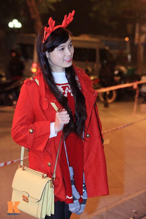 Thiếu nữ Hà thành xinh tươi trên phố Noel - 6