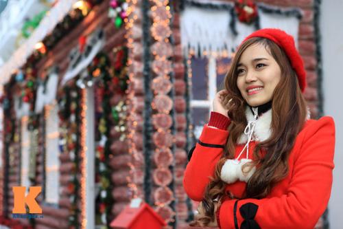 Thiếu nữ Hà thành xinh tươi trên phố Noel - 1
