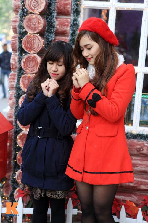 Thiếu nữ Hà thành xinh tươi trên phố Noel - 2