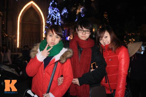 Thiếu nữ Hà thành xinh tươi trên phố Noel - 5