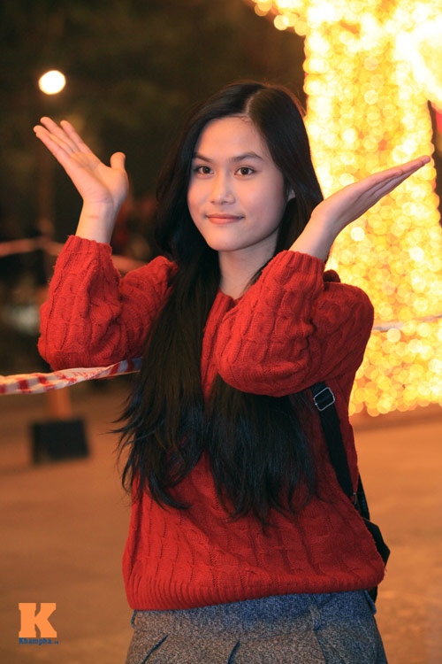 Thiếu nữ Hà thành xinh tươi trên phố Noel - 10