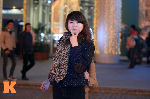 Thiếu nữ Hà thành xinh tươi trên phố Noel - 9