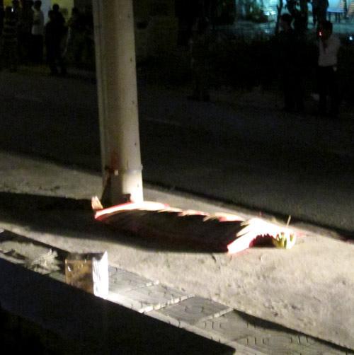 Rơi từ sân thượng chung cư, bé trai tử vong - 2
