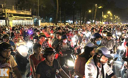 Hà Nội, TPHCM tràn ngập không khí đêm Noel - 15