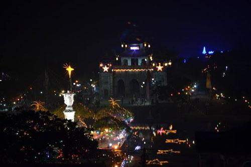 Hà Nội, TPHCM tràn ngập không khí đêm Noel - 28