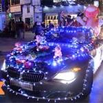 8X + 9X - Ông già Noel cưỡi ô tô đi phát quà