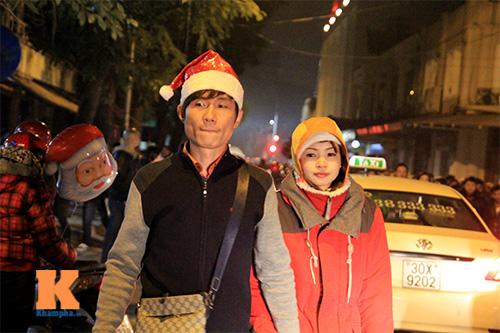 Thức trắng đêm để đón giáng sinh - 12
