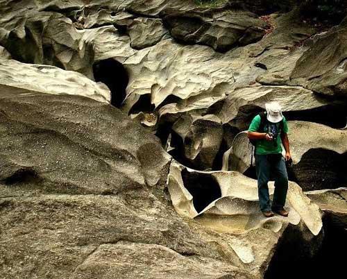 Thăm thung lũng đá già cỗi nhất trái đất - 3