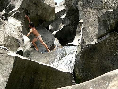 Thăm thung lũng đá già cỗi nhất trái đất - 6