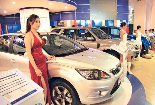 Xe hơi nhập khẩu sụt giảm - 1