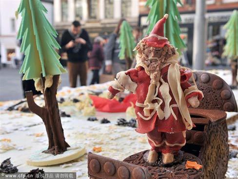 Chiếc bánh Giáng sinh nặng hơn 700 kg - 3