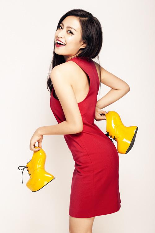 Hoàng Thùy Linh: Ngôi sao hot nhất Vbiz 2013 - 3