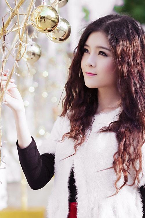 Hot girl Lilly Luta một mình đón Giáng sinh - 9