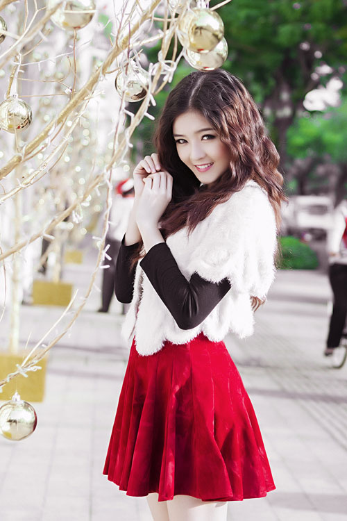 Hot girl Lilly Luta một mình đón Giáng sinh - 12
