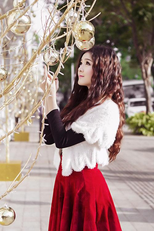Hot girl Lilly Luta một mình đón Giáng sinh - 15