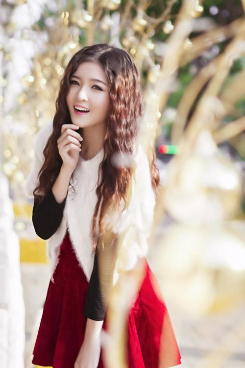 Hot girl Lilly Luta một mình đón Giáng sinh - 2
