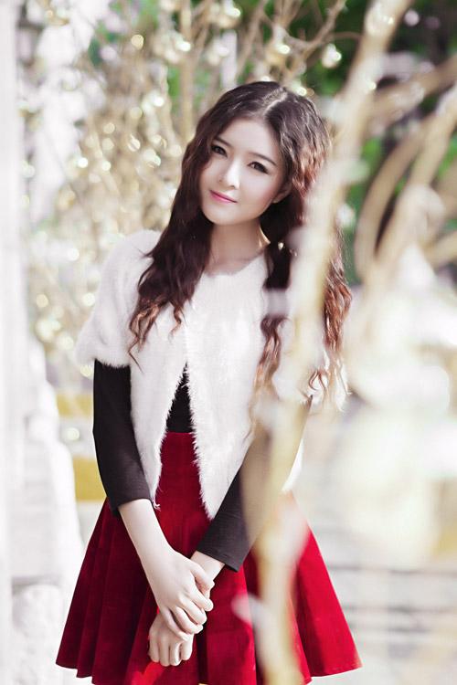 Hot girl Lilly Luta một mình đón Giáng sinh - 3