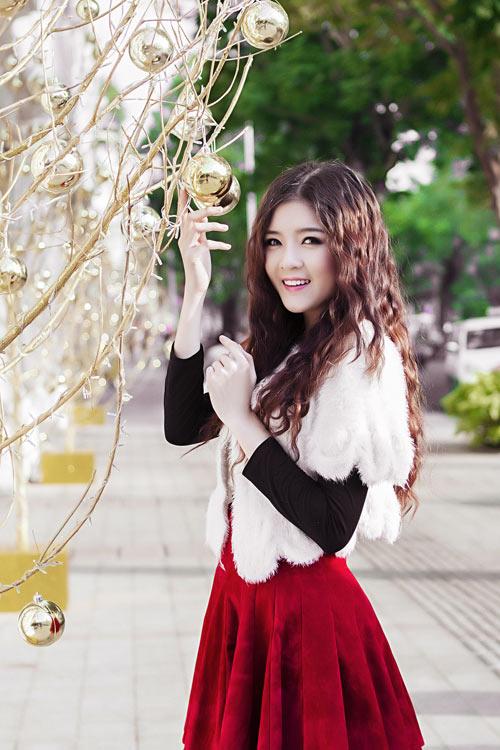Hot girl Lilly Luta một mình đón Giáng sinh - 4