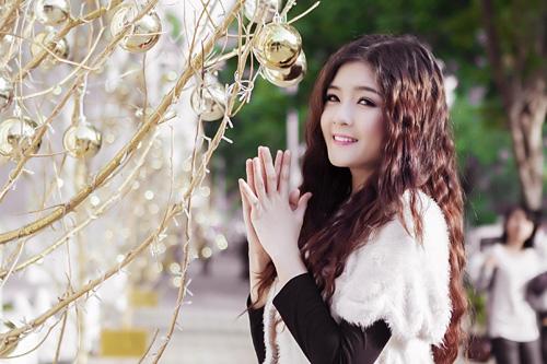 Hot girl Lilly Luta một mình đón Giáng sinh - 5