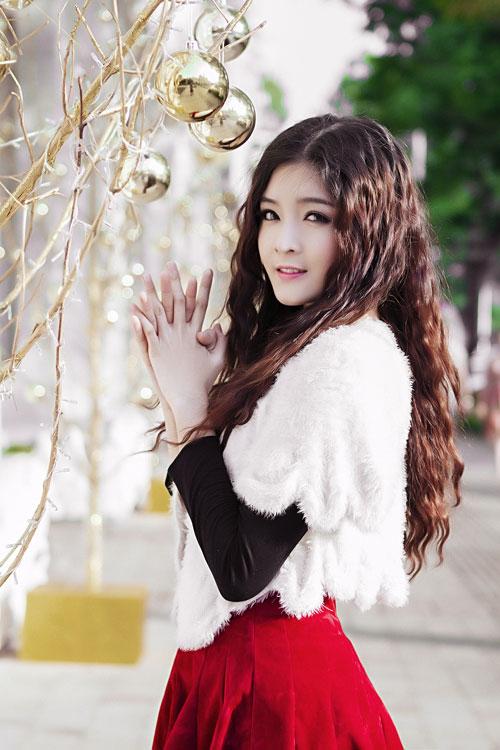 Hot girl Lilly Luta một mình đón Giáng sinh - 6