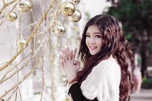 Hot girl Lilly Luta một mình đón Giáng sinh - 7