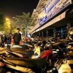 Thị trường - Tiêu dùng - 50.000 đồng/xe máy, chủ trông xe Noel than rẻ