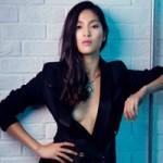 Ngôi sao điện ảnh - Bạn gái Johnny Trí Nguyễn lấp ló khoe vòng 1