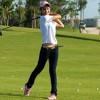 Hài tết: Đánh golf theo kỹ thuật chơi khăng