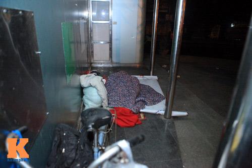 Những mảnh đời vô gia cư trong đêm đông lạnh Thủ đô - 5