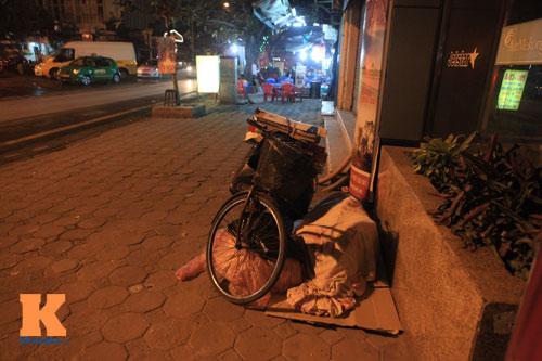 Những mảnh đời vô gia cư trong đêm đông lạnh Thủ đô - 15