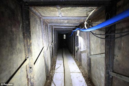 Phát hiện đường hầm buôn lậu tinh vi ở TQ - 2
