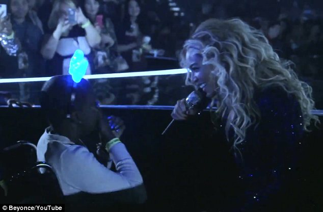 Xúc động màn nhảy của Beyonce và fan nhí ung thư - 7