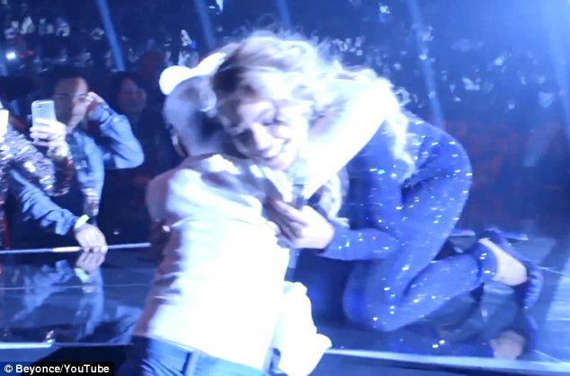 Xúc động màn nhảy của Beyonce và fan nhí ung thư - 9
