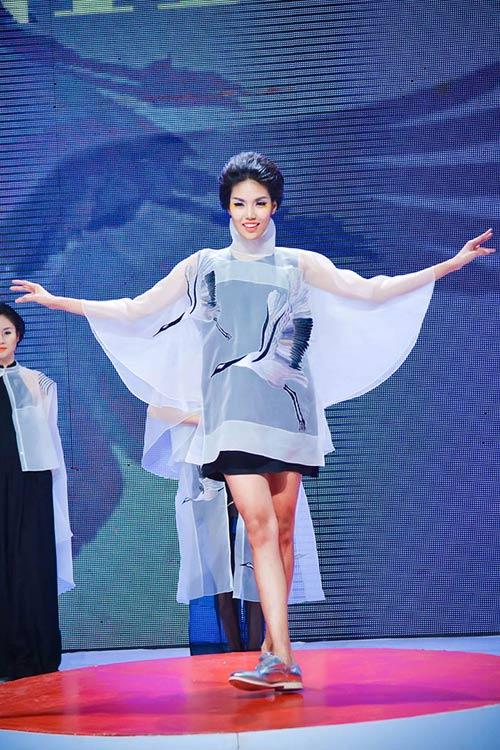 Haute Couture kết màn tuần lễ thời trang Việt - 1