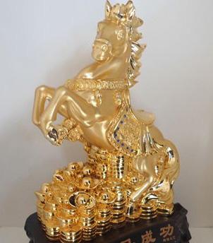 Lựa chọn Ngựa phong thủy mạ vàng chuẩn 24K đón tết Giáp Ngọ - 3