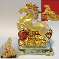 Lựa chọn Ngựa phong thủy mạ vàng chuẩn 24K đón tết Giáp Ngọ