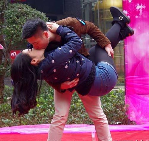 """Cuộc thi hôn """"bất thường"""" ở Trung Quốc - 8"""