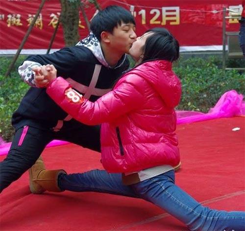 """Cuộc thi hôn """"bất thường"""" ở Trung Quốc - 2"""