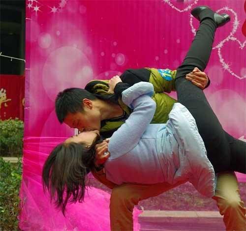 """Cuộc thi hôn """"bất thường"""" ở Trung Quốc - 7"""