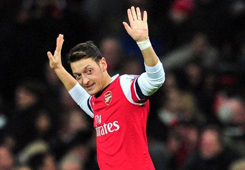 """Arsenal: Ozil """"nhỏ bé"""" ở những trận cầu lớn - 2"""
