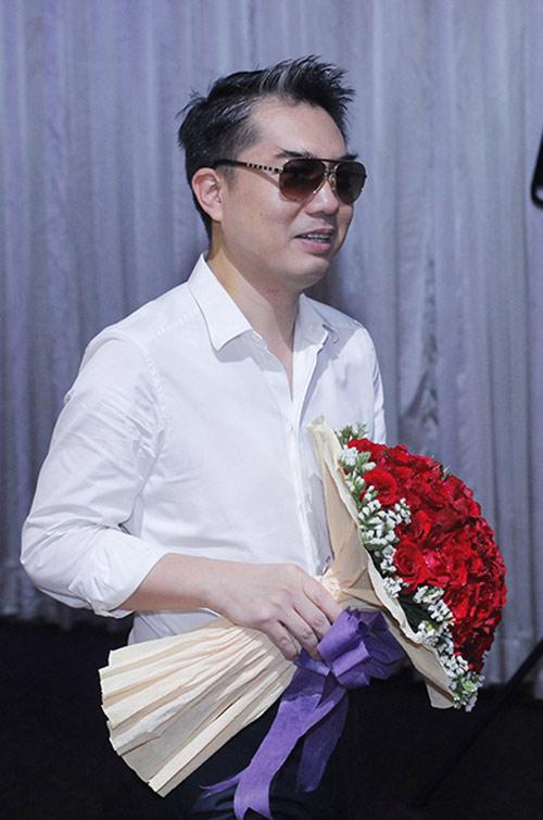 Bạn trai cũ công khai hôn Thanh Thảo - 4