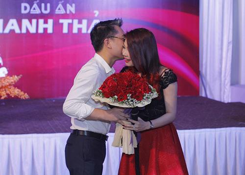 Bạn trai cũ công khai hôn Thanh Thảo - 7