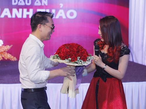 Bạn trai cũ công khai hôn Thanh Thảo - 5