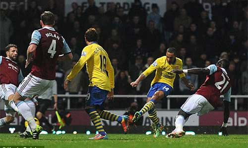 West Ham - Arsenal: Vượt qua gian khó - 1