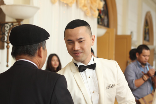 Chồng á hậu Thùy Trang đẹp như... Kim Tan! - 4