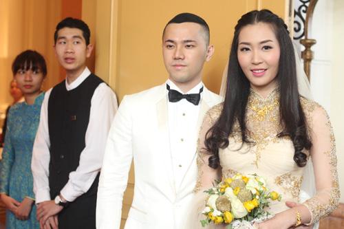 Chồng á hậu Thùy Trang đẹp như... Kim Tan! - 5