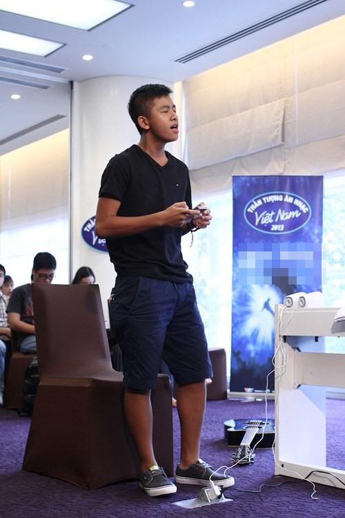 "Hot boy 16 tuổi Vietnam Idol ""gây sốt"" - 2"
