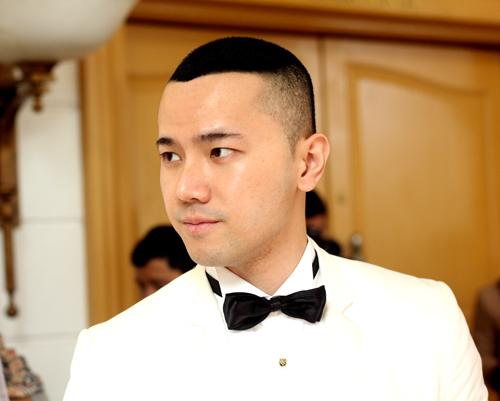 Chồng á hậu Thùy Trang đẹp như... Kim Tan! - 3