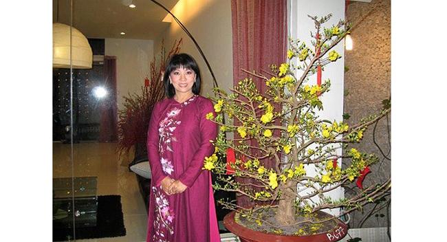 Nhà của vợ chồng ca sỹ Cẩm Vân - Khắc Triệu nằm trong một con hẻm nhỏ trên đường Hồ Biểu Chánh (Q. Phú Nhuận, TP.HCM).