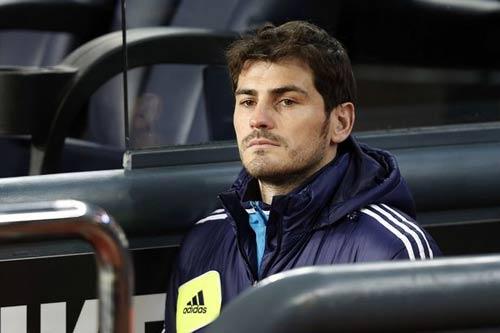 """Tiếp tục bị """"đì"""", Casillas định ngày rời Real - 1"""